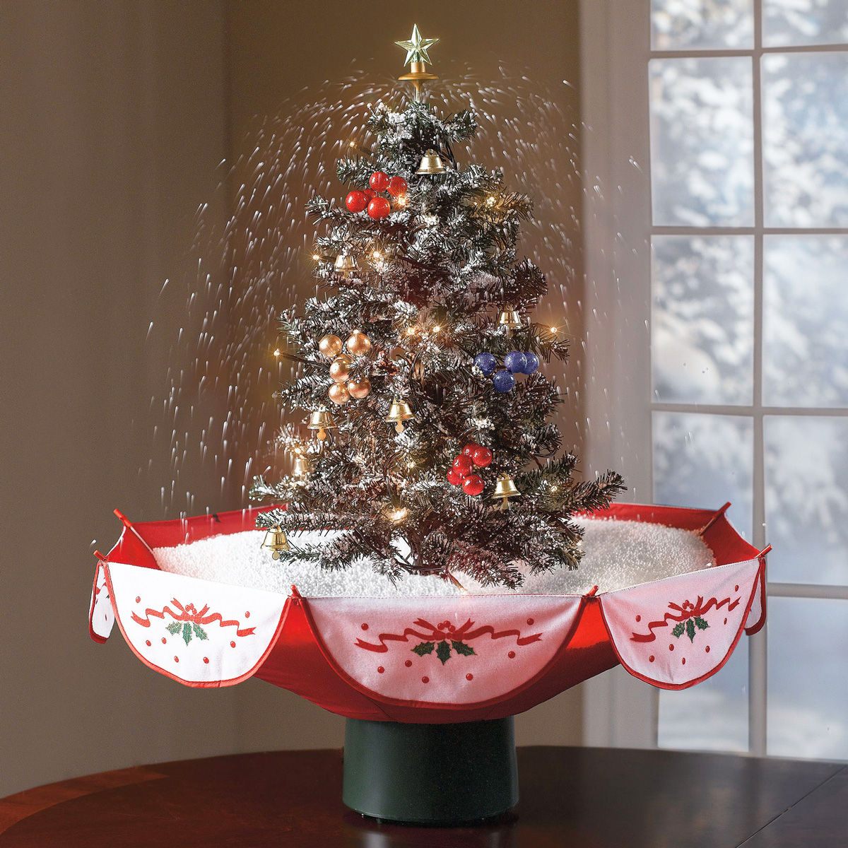 tabletop-snowing-christmas-tree-