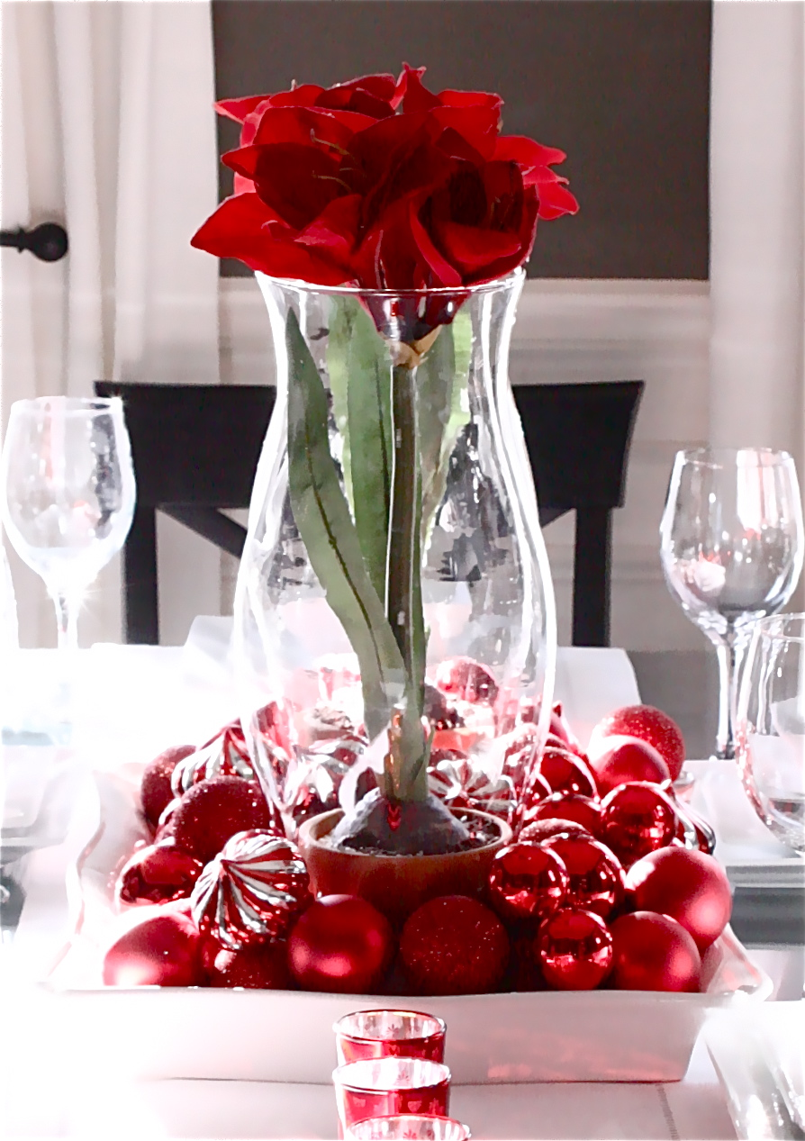 Excellent-easy-valentines-centrepiece-design-using-christmas-red-rose-inside-with-balls-natural-ideas.