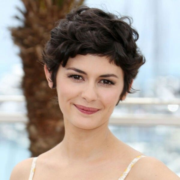 Audrey-Tautou-short-pixie-curly-2016.
