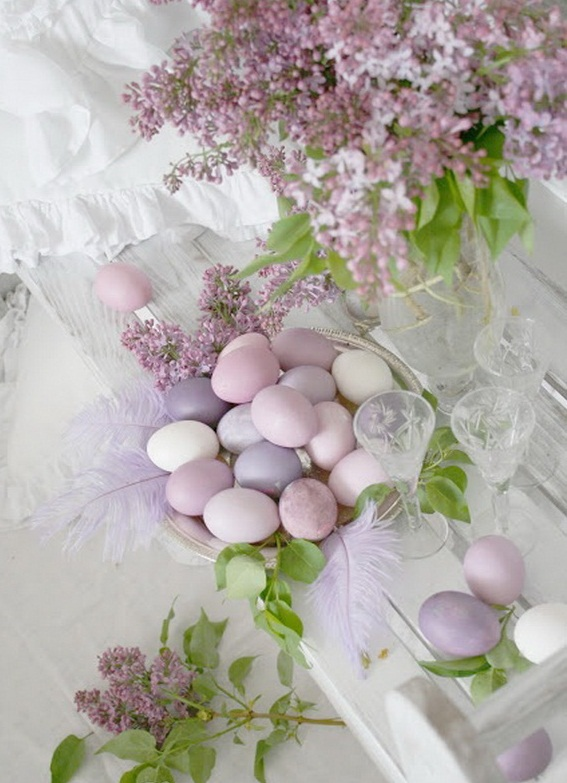 DIY-elegant-Easter-table-centerpiece-pastel-colors-white-purple-lilac