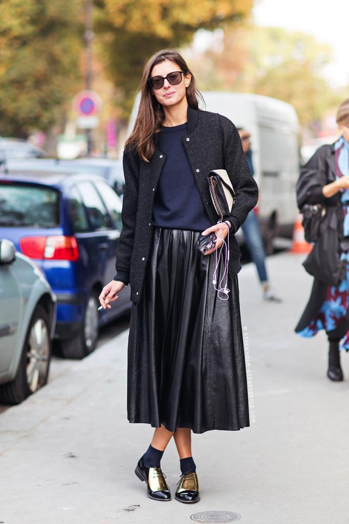 Le-Fashion-Blog-Street-Style-Leather-Pleated-Skirt-Celine-Gold-Oxfords-Paris-Fashion-Week-Via-Stockholm-Streetstyle.