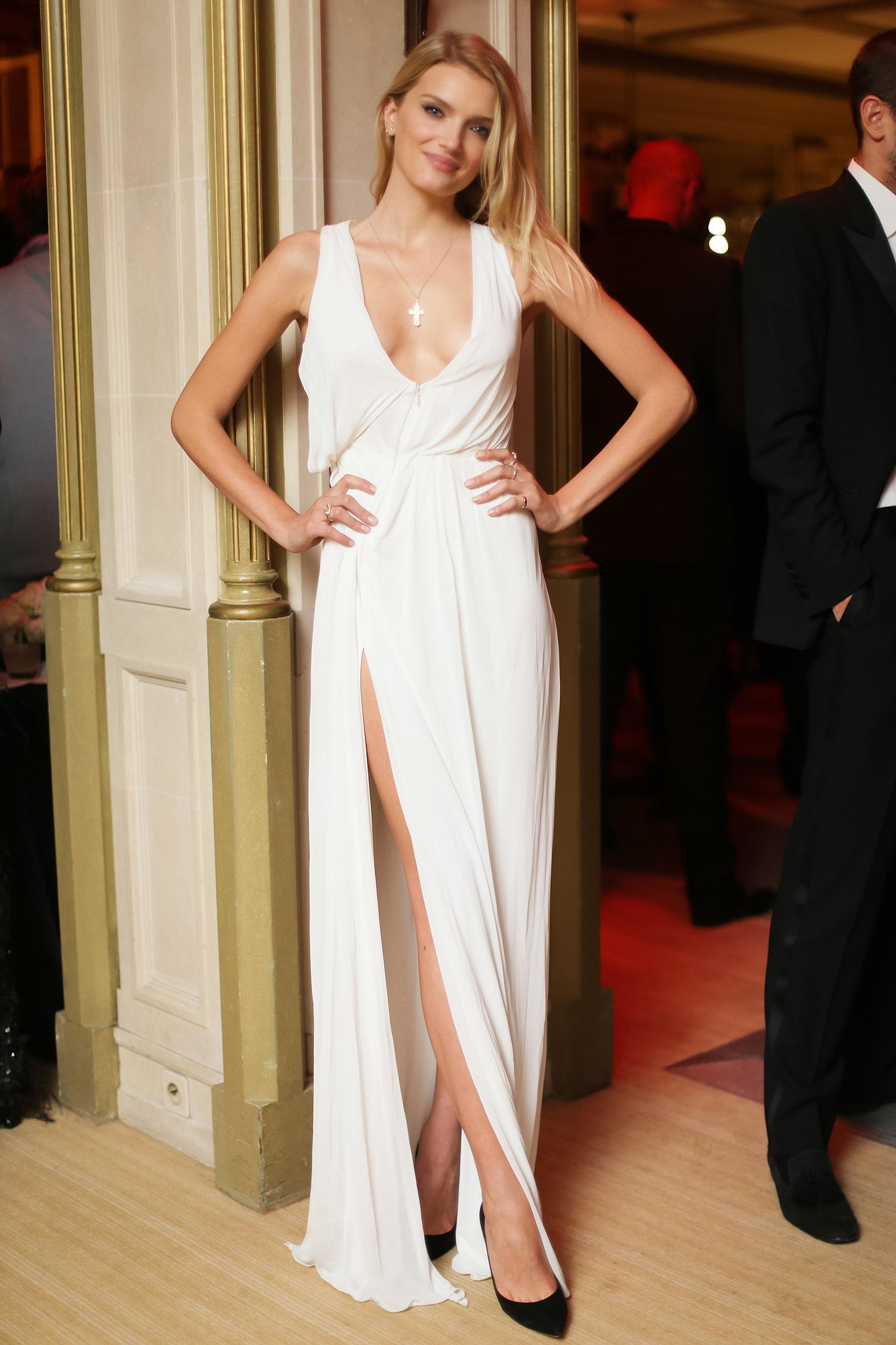Lily-Donaldson-showed-some-skin-high-slit-gown-gold-necklace