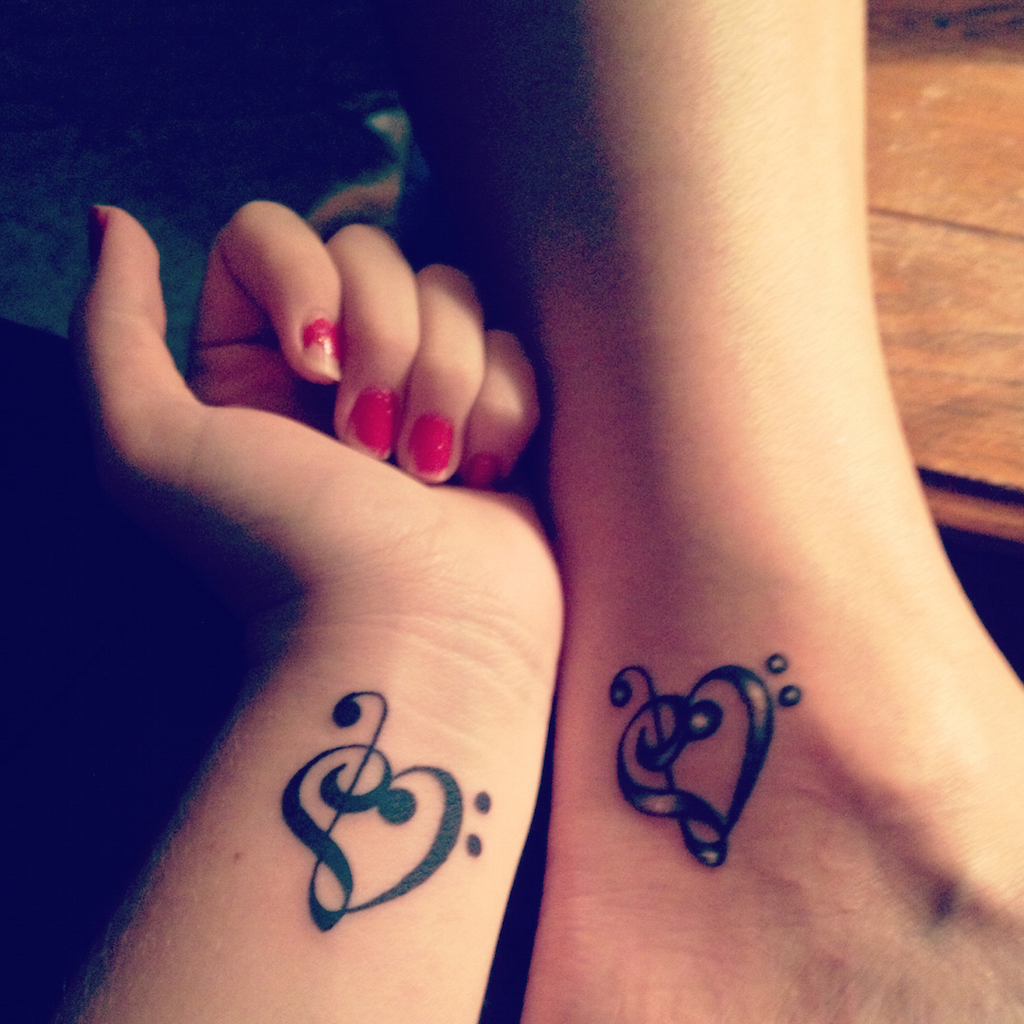 Mother-daughter-tattoo-ideas.