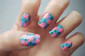 15 BEAUTIFUL FLORAL NAIL ART FOR THE UPCOMING SPRING……