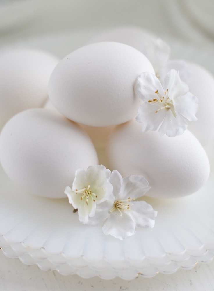 refined-white-easter-decor-ideas-18.