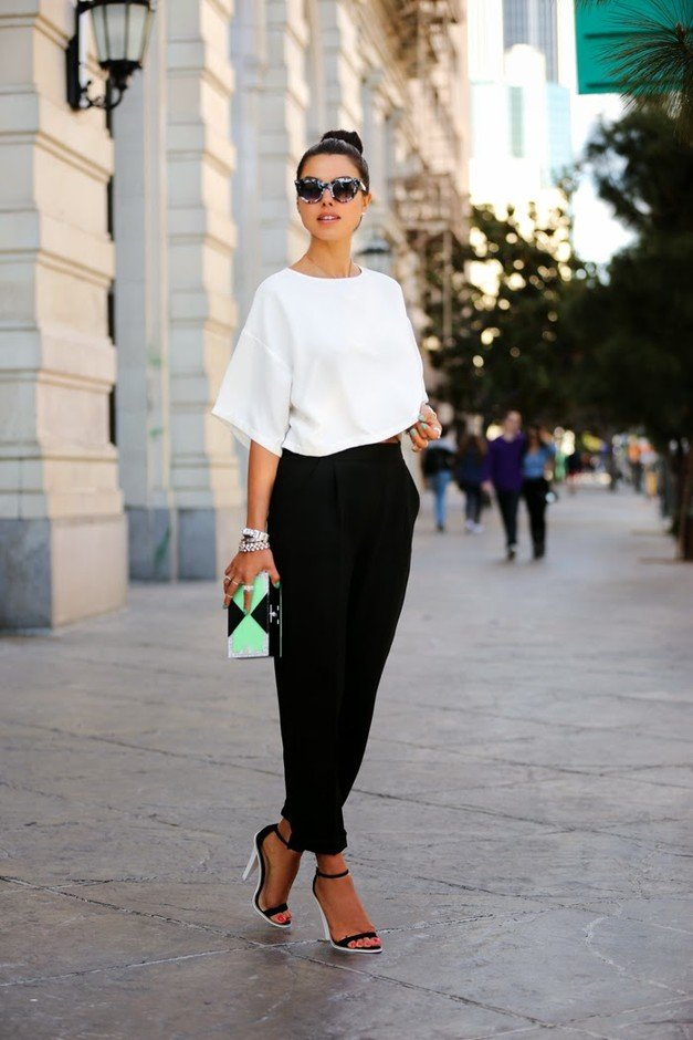 Graceful-Outfit-Idea-with-High-Waisted-Pants.