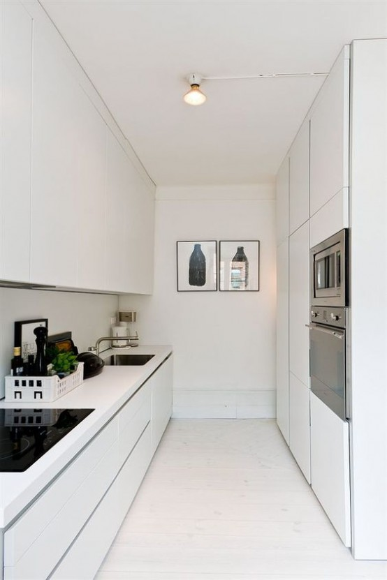 stylish-and-functional-narrow-kitchen-design-