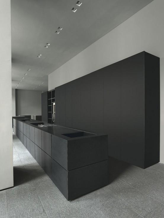 striking-black-kitchens-to-make-a-statement-