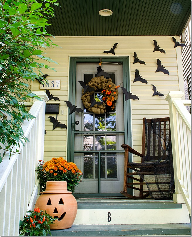 Halloween-Decorations-Front-Porch-2_thumb