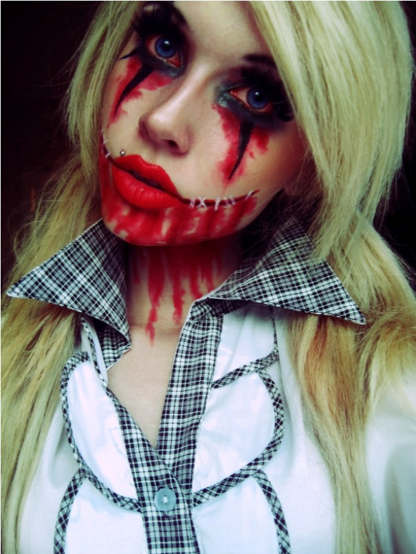 scary-halloween-makeup-bloody-face-school-girl